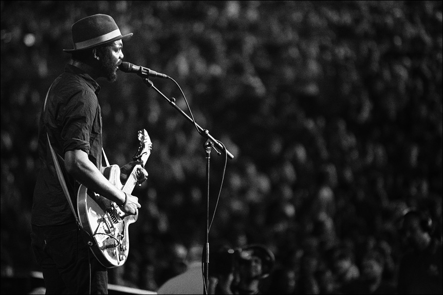 gary_clark_jr_summerfest_2014_milwaukee_album_packaging_music_photography_live_show_warner_brothers_records_17